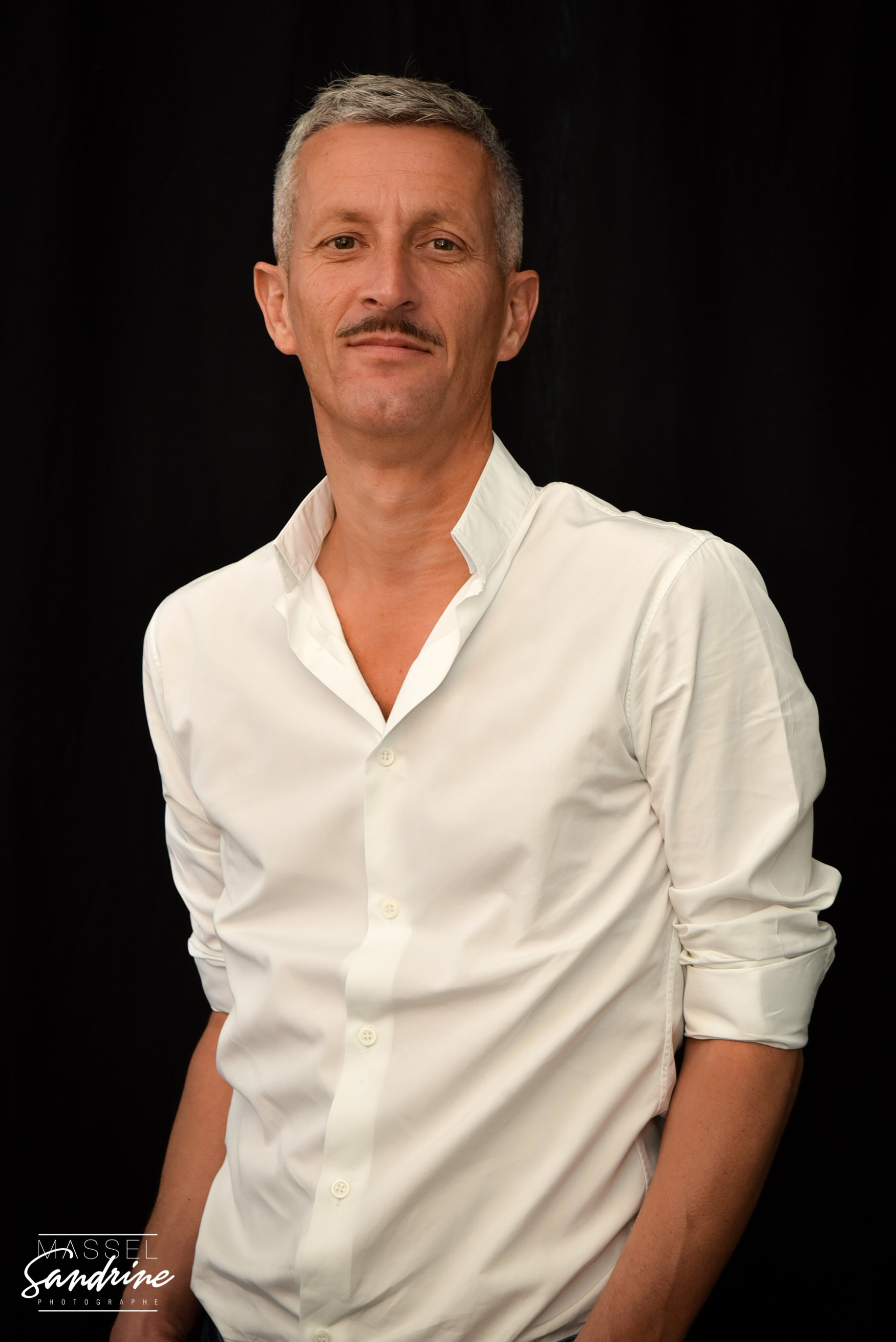 sandrine-massel-photographe-portrait-coach-sportif-etangdeberre-studio